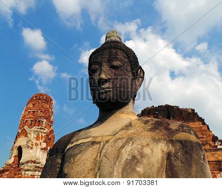 Buddha and Ruins