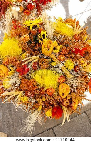dried bouquets, market in Nyons, Rhone-Alpes, France
