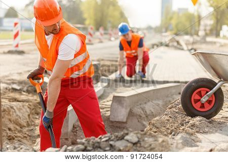 Builders And Paving