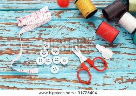 Needle Thread Sewing Tailor Thimble Buttons Scissors Repair