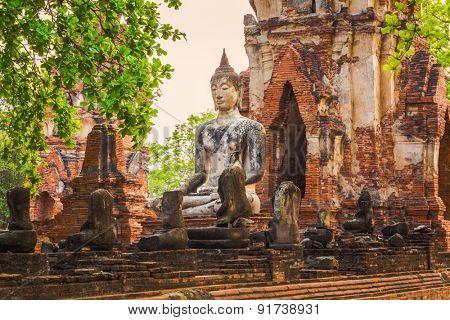 Buddha statue in Wat Mahathat. Ayutthaya historical park.
