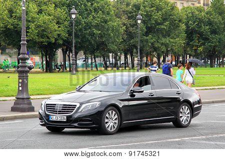 Mercedes-benz W222 S-class