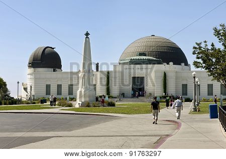 Griffith Observatory And Astronomers Monument Obelisk