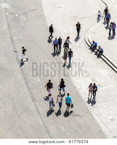 People Walk Along The Zeil In Midday  In Frankfurt