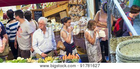 People Enjoy Shopping In The Kleinmarkthalle