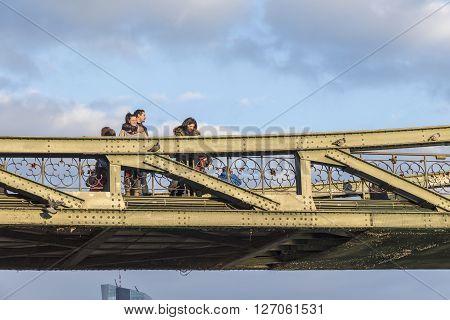 People At The Eiserner Steg