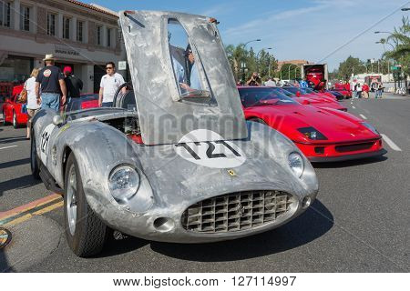 Ferrari 250 Gt On Dusplay
