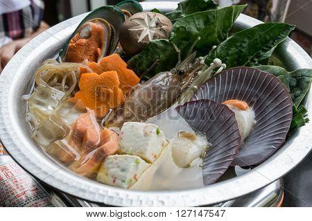 japanese cuisine. hot pot, oup, pot, hot, seafood,