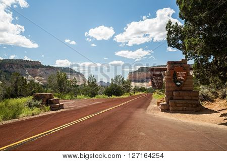 View of the Zion National Park entrance sign