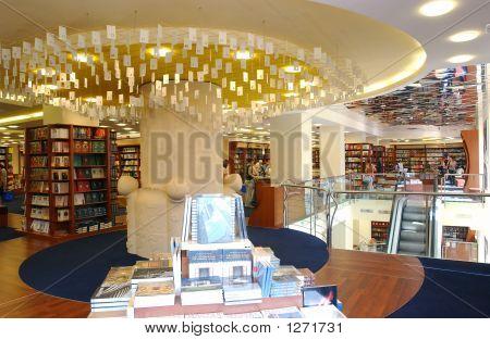 Bookstore010