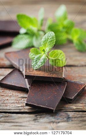 Dark Healthy Chocolate With Fresh Mint