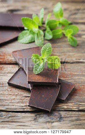 Dark Chocolate With Green Mint