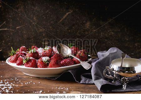 Garden Strawberries With Sugar And Cream
