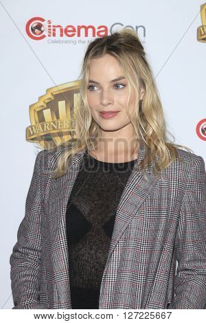 LAS VEGAS - APR 12:  Margot Robbie at the Warner Bros. Pictures Presentation at CinemaCon at the Caesars Palace on April 12, 2016 in Las Vegas, CA
