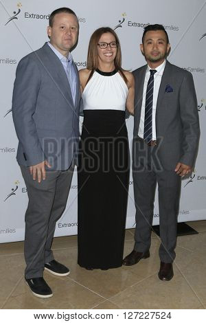 LAS VEGAS - APR 20:  Jason Peers, Sarah Boone, Eric Pelovello at the Extraordinary Families Gala at the Beverly Hilton Hotel on April 20, 2016 in Beverly Hills, CA