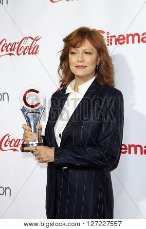 LAS VEGAS - APR 14:  Susan Sarandon at the CinemaCon Awards Gala at the Caesars Palace on April 14, 2016 in Las Vegas, CA