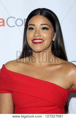 LAS VEGAS - APR 14:  Gina Rodriguez at the CinemaCon Awards Gala at the Caesars Palace on April 14, 2016 in Las Vegas, CA