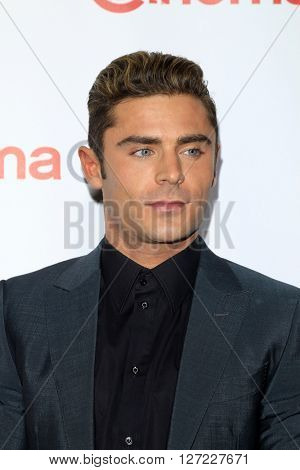 LAS VEGAS - APR 14:  Zac Efron at the CinemaCon Awards Gala at the Caesars Palace on April 14, 2016 in Las Vegas, CA