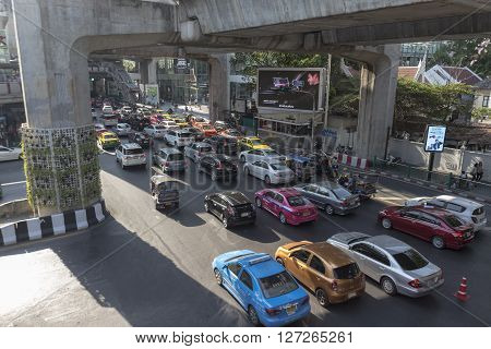 BANGKOK THAILAND - APR 10 : traffic jam at Chaloem phao junction near siam square in evening time on april 10 2016 thailand.