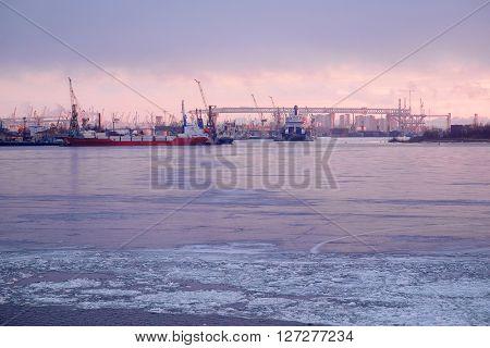 Sankt-Peterburg harbour in a winter