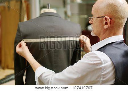 Measuring jacket back