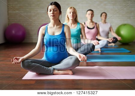 Yoga for future mothers