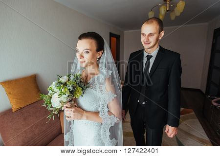 The First Meeting Of The Bride And Groom