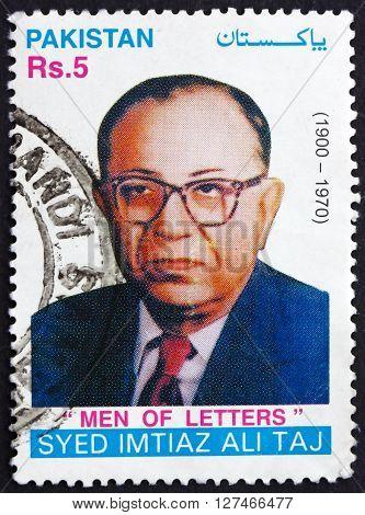 PAKISTAN - CIRCA 2001: a stamp printed in Pakistan shows Syed Imtiaz Ali Taj Playwright circa 2001