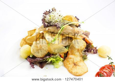 Chicken salad with lettuce a nd vegetables