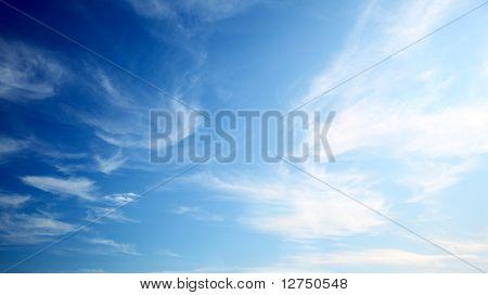 céu azul perfeito