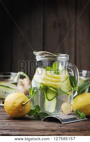 Water Sassy With Lemon, Cucmber And Ginger