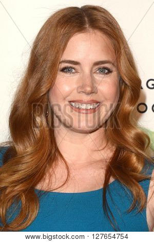 LOS ANGELES - APR 21:  Amy Adams at the Annenberg Space for Photography presents REFUGEE at the Annenberg Space for Photography on April 21, 2016 in Century City, CA