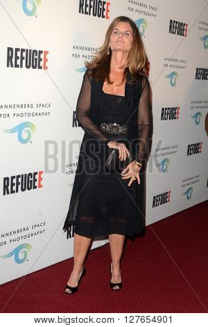 LOS ANGELES - APR 21:  Maria Shriver at the Annenberg Space for Photography presents REFUGEE at the Annenberg Space for Photography on April 21, 2016 in Century City, CA