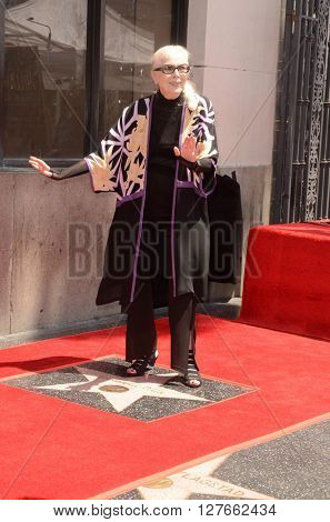 LOS ANGELES - APR 28:  Barbara Bain at the Bairbara Bain Hollywood Walk of Fame Star Ceremony at the Hollywood Walk of Fame on April 28, 2016 in Los Angeles, CA