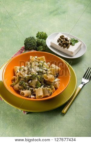 pasta with broccoli feta cheese and capers