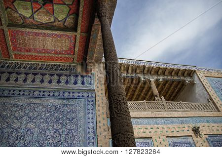 Khiva, Uzbekistan, 1 May 2015:  Trraditional Patterns On The Ceiling And Walls Of The Mosque In Khiv