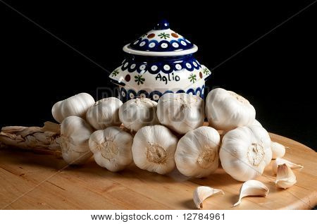Garlic Jar With Braid Of Whole Garlic