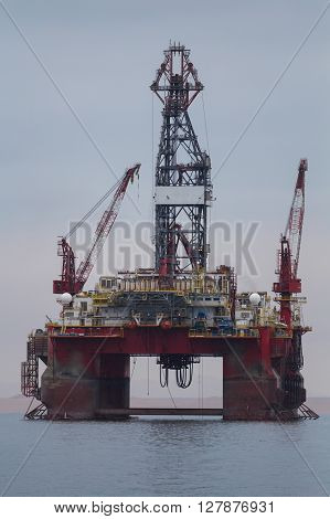 Oil drilling rig at Walvis bay Namibia ** Note: Visible grain at 100%, best at smaller sizes
