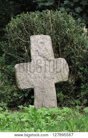 Conciliation cross is a stone cross built mostly on the ground where he became a capital crime or disaster