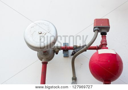 Ball and alarm control for fire protecton.
