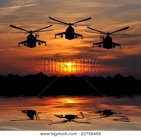silueta de militante del helicóptero mi-24 en sunrise