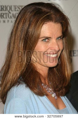 LOS ANGELES - JUN 14: Maria Shriver at the Fulfillment Fund Awards on June 14, 2003 in Los Angeles, California