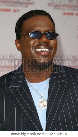 LOS ANGELES - JUN 18: Bernie Mac at the premiere of 'Charlie's Angels: Full Throttle' on June 18, 2003 in Los Angeles, California