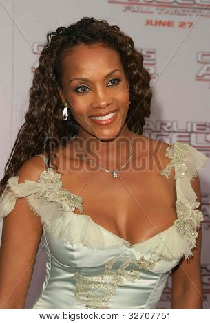 LOS ANGELES - JUN 18: Vivica Fox at the premiere of 'Charlie's Angels: Full Throttle' on June 18, 2003 in Los Angeles, California