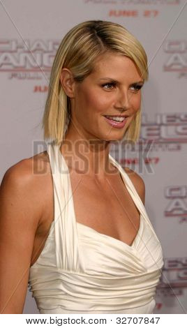 LOS ANGELES - JUN 18: Heidi Klum at the premiere of 'Charlie's Angels: Full Throttle' on June 18, 2003 in Los Angeles, California