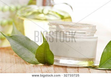 Botella de crema orgánico