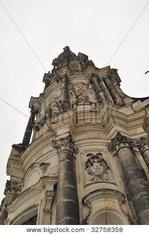 Katholische Kirche und Denkmal für König Johannes