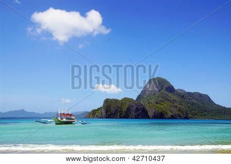 Picturesque seascape with boat.