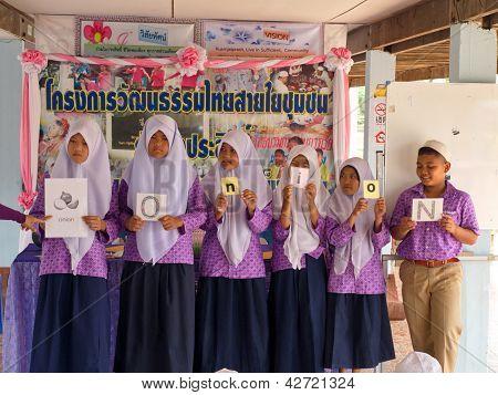 Learning English In A Muslim Public School In Thailand (2)
