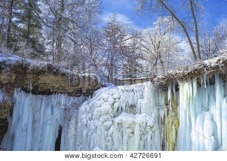 Upper Minnehaha Falls, Winter